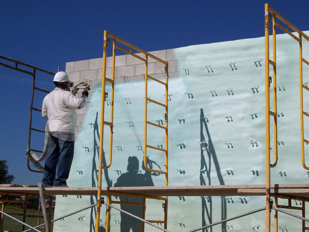 Exterior Wall Closed-Cell Spray Polyurethane Foam Insulation (3-In-1 Air Barrier, Water Barrier and Insulation)